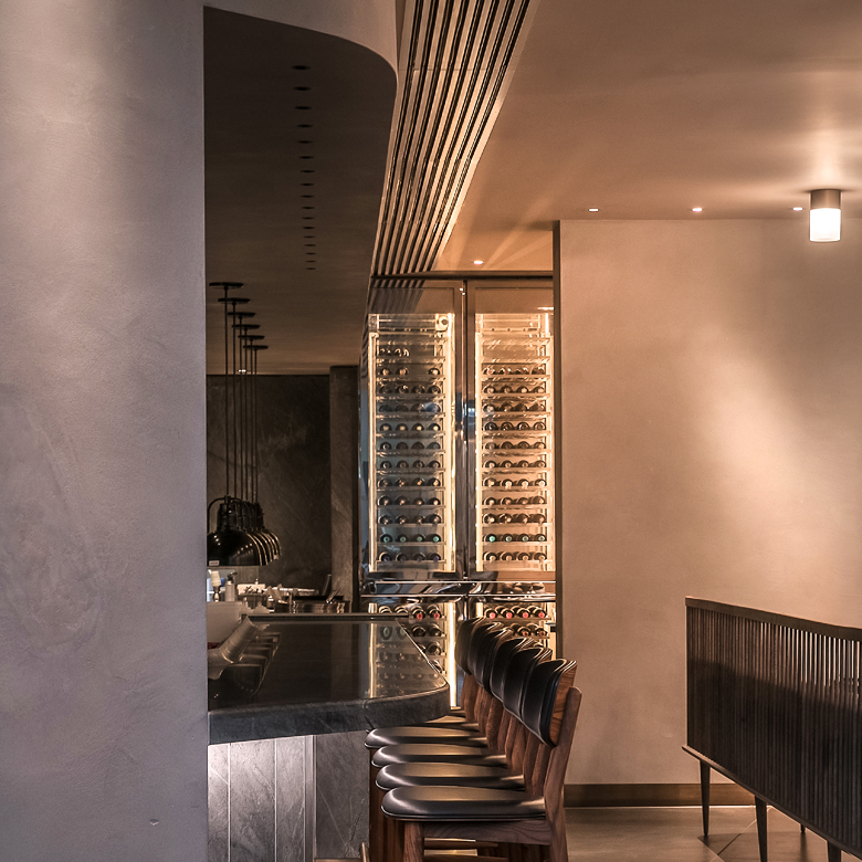 22719-Natural-custom-colours-clay-plaster-wall-finishes-restaurant-design-Clayworks
